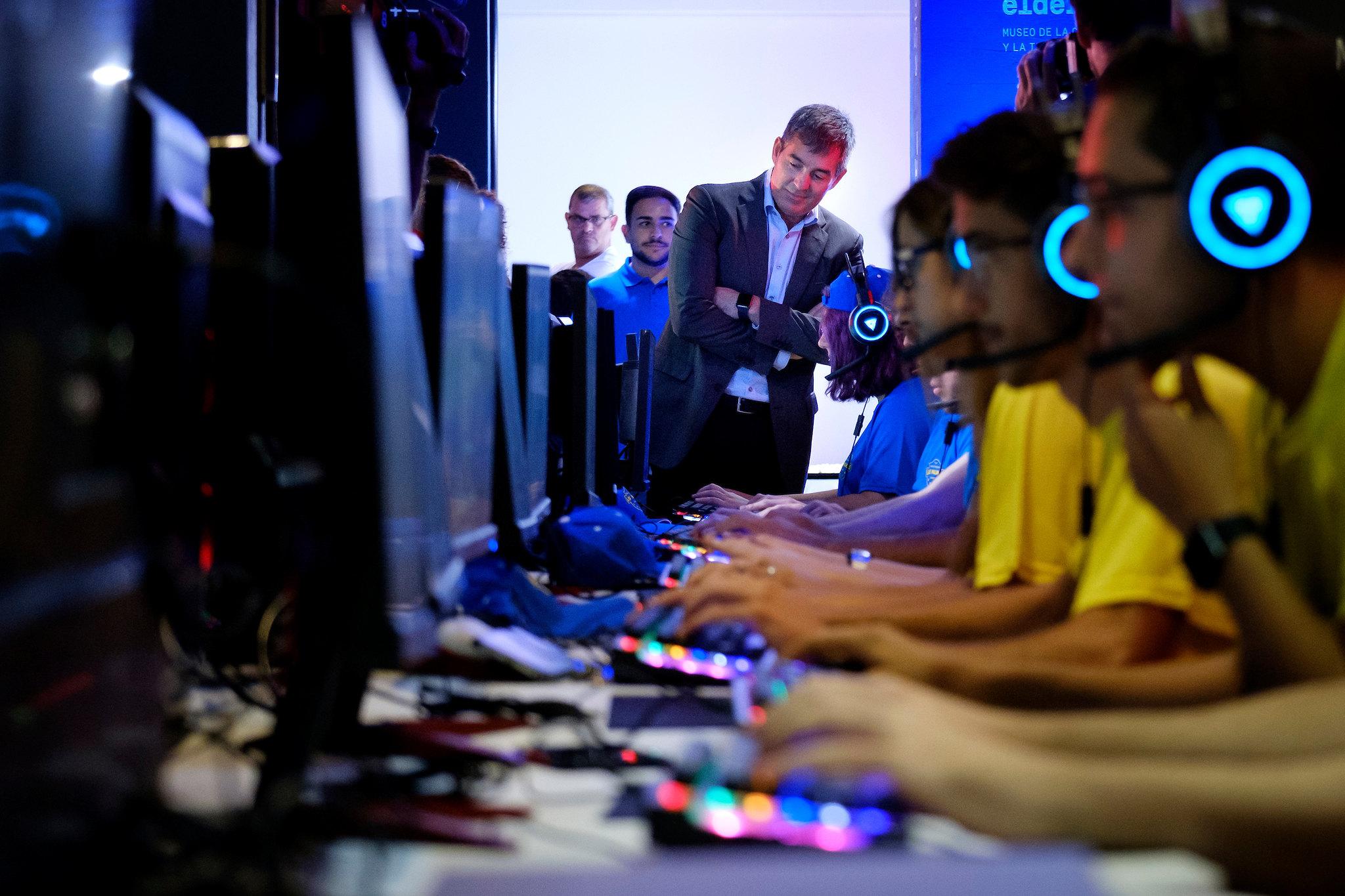 Juegos eSports base para una residencia universitaria en Madrid